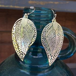 Avon Leaf Dangle Earrings